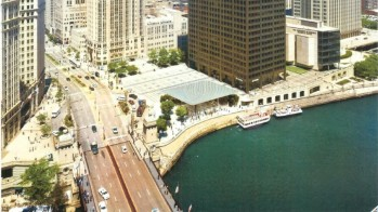 Apple-Store_Chicago-glass_3