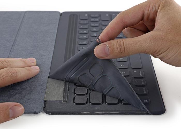 iFixit_Smart-Keyboard_teardown_1