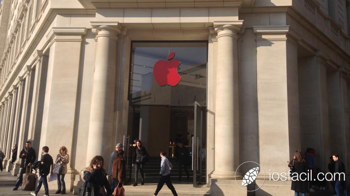Apple-Store_Passeig-de-gracia_VIH_2015_dia