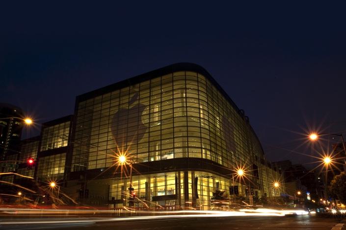 Apple_WWDC_Moscone-West_