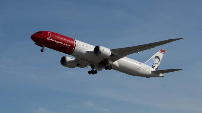 boeing_787-8_dreamliner_norwegian_