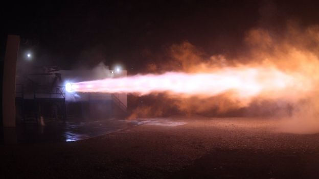 Musk dijo que probaron los motores del cohete en las instaclaiones de SpaceX en Texas (EE.UU.)