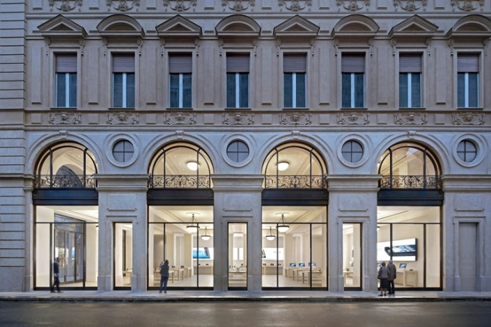 apple-store_italia_turin_via-roma_