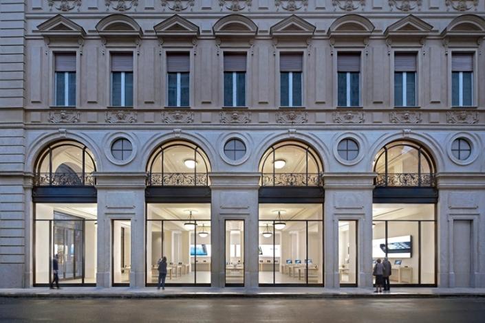 apple-store_italia_turin_via-roma_