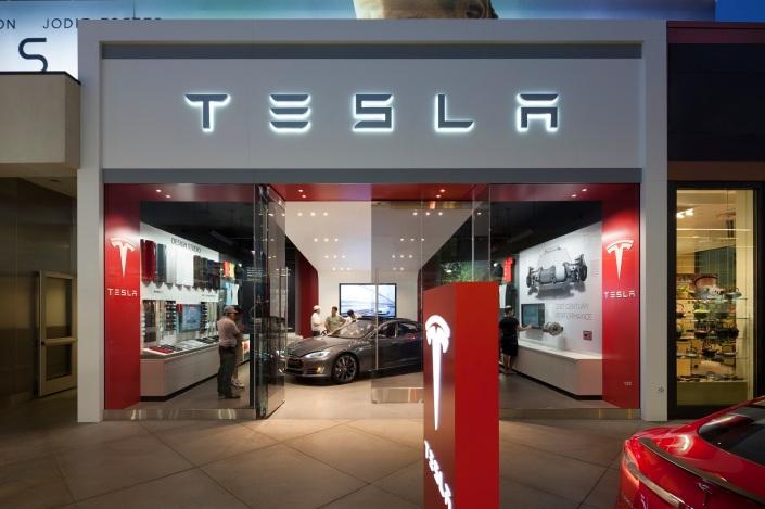 Tienda Tesla en Los Ángeles