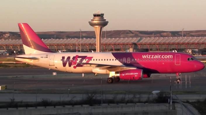 wizzair_airbus_a320-200_madrid-barajas_