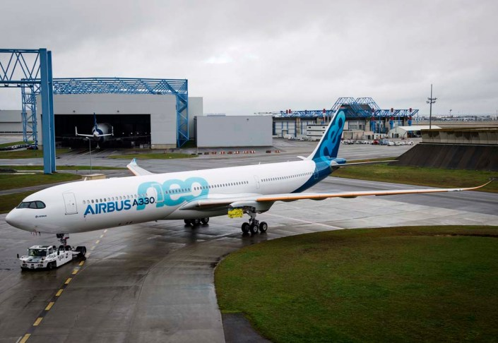 airbus-a330neo_roll-out_