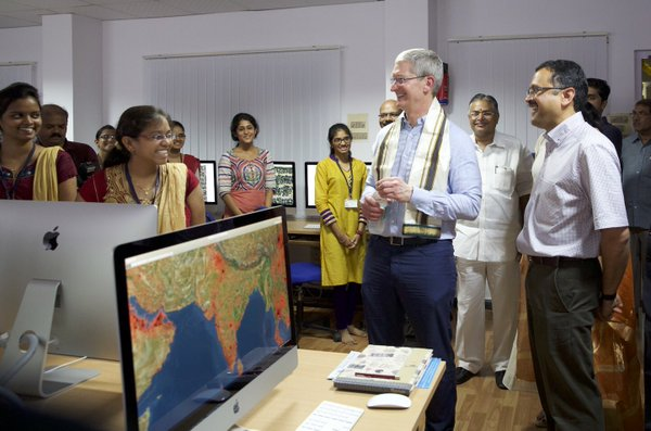 apple_tim-cook_india