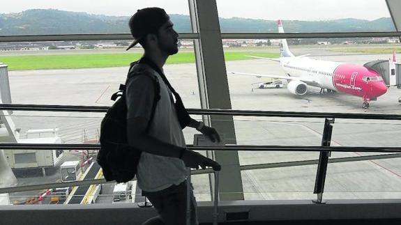 aeropuerto-bilbao_norwegian_boeing_737_
