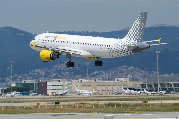 vueling_airbus-a320_